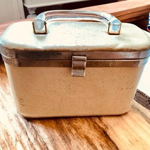 Handbags - Vintage make up box